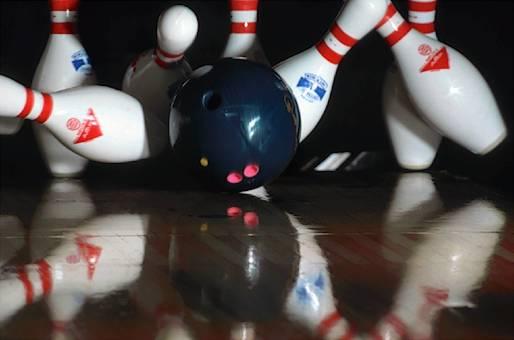 bowling-strike