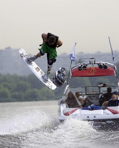 wakeboarding-behind-boat