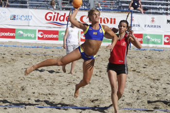 Beach-handball-shot