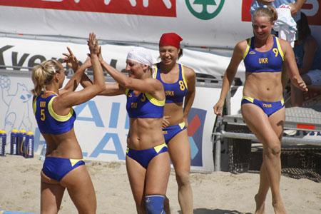 Beach-handball-ukraine-women-celebration
