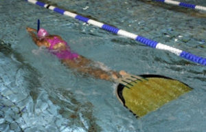 finswimming-girl