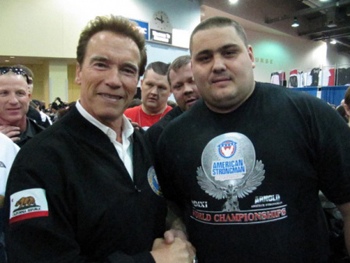 strongman-Olexandr-Lashyn-with-Arnold