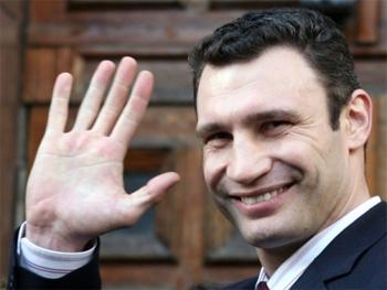 box-Vitaliy-Klytcko-smile