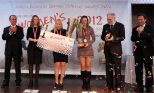 chess-women-euro-2012-Gunina-Kosyntseva-Muzychuk-1