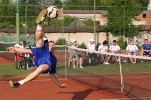 footnet-bycicle-kick