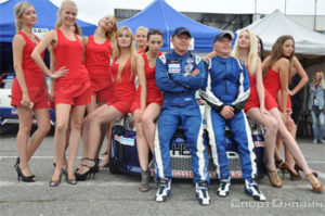 autosport-circle-Igor-Skuz-and-girls