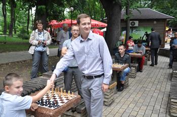 chess-seans-odnochasnoi-gry-Zakhar-Efymenko