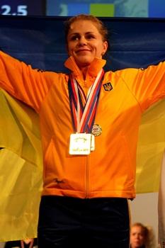 powerlifting-Larysa-Solovyova-podium