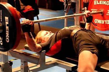 powerlifting-Larysa-Solovyova-zhym