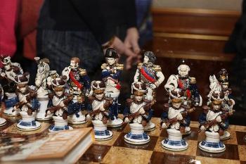 chess-set-napoleon-army