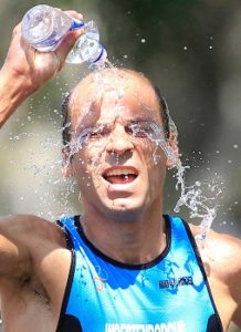 world-games-water-on-bold-head-2
