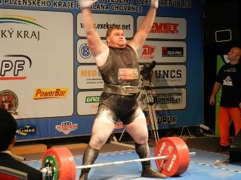 powerlifting-Victor-Tescov-1