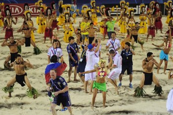 beach-soccer-tahiti-russia-celebration