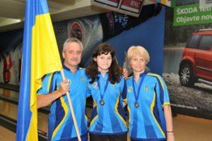bowling-Daryna-Kovalyova-with-parents
