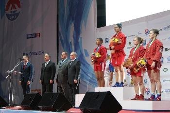 sambo-wc2013-Tetyana-Savenko-gold-Volodymyr-Putin