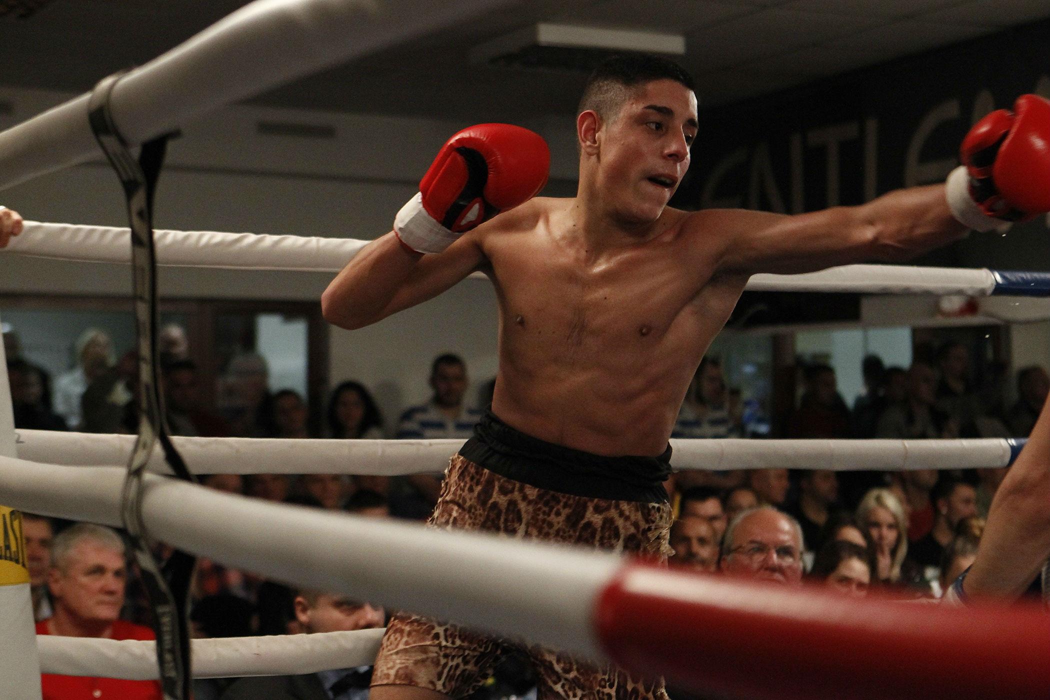 pro_boxing_show_2016_aytay